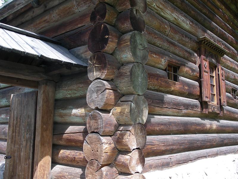 картинки домов из бревен в старину выставке